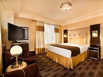 New Yorker Hotel - Chambre