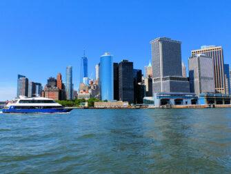 Circle Line Landmarks Cruise - Skyline