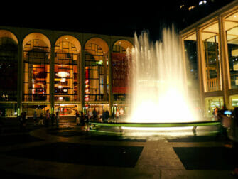 Upper-West-Side-a-New-York-Lincoln-Center