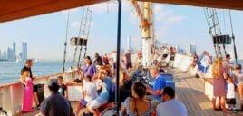Tour en goélette à New York dégustation de vin ou de bière ou Jazz Sail