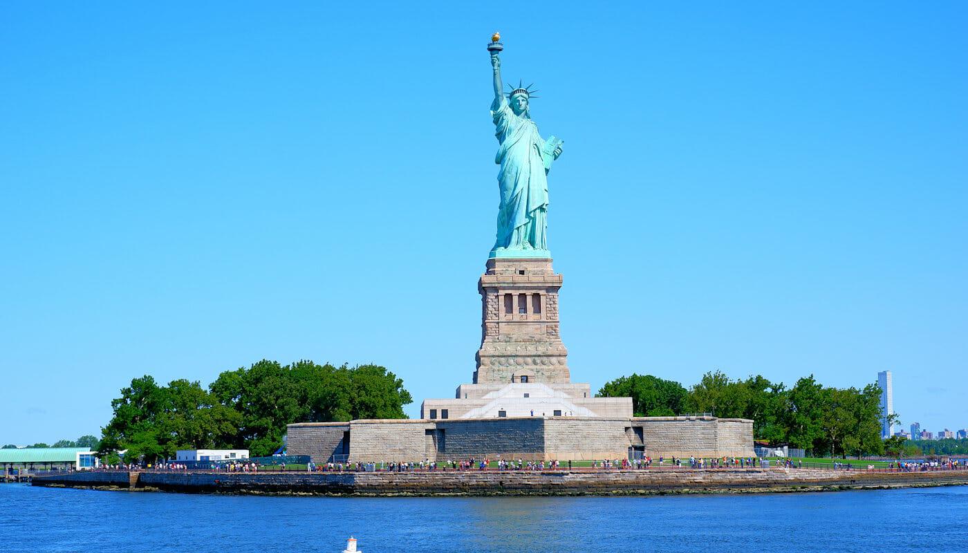 Tour en goélette à New York dégustation de vin ou de bière ou Jazz Sail - Statue de la Liberté