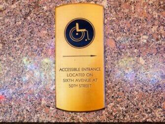 Facilités pour Personnes Handicapées à NY