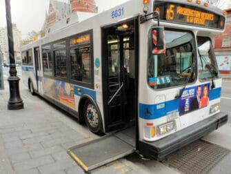 Facilités pour personnes handicapées à New York - Bus