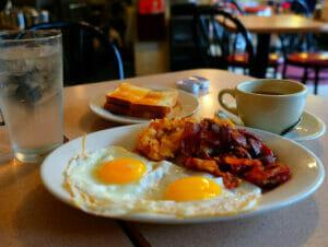 Petit-Déjeuner à New York