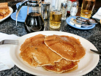 petit-dejeuner-new-york-pancakes