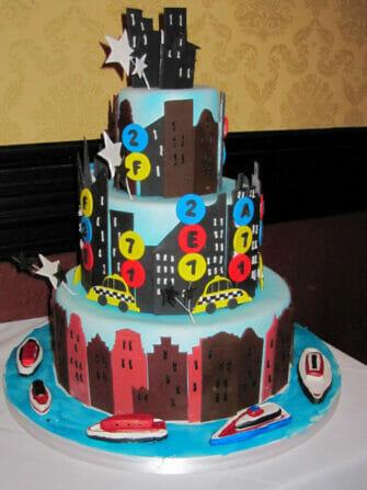 Carlo s Bakery Cake Boss a New York   Pice montee