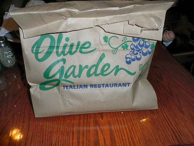doggy-bag-new-york-olive-garden