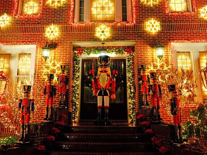 Ambiance de Noël à New York - Dyker Heights Decorations