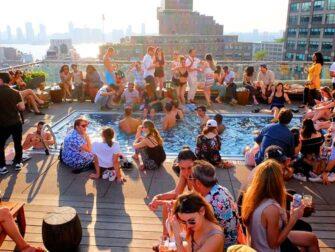 Les meilleurs Rooftop Bars de New York - Piscine