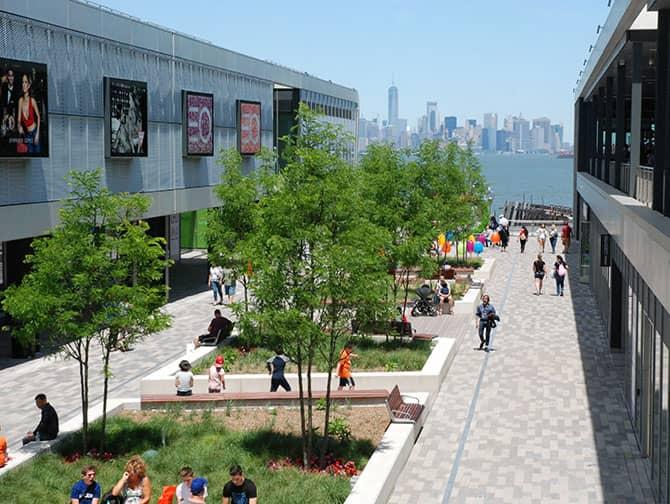 Empire Outlets New York City - Vue sur la Skyline