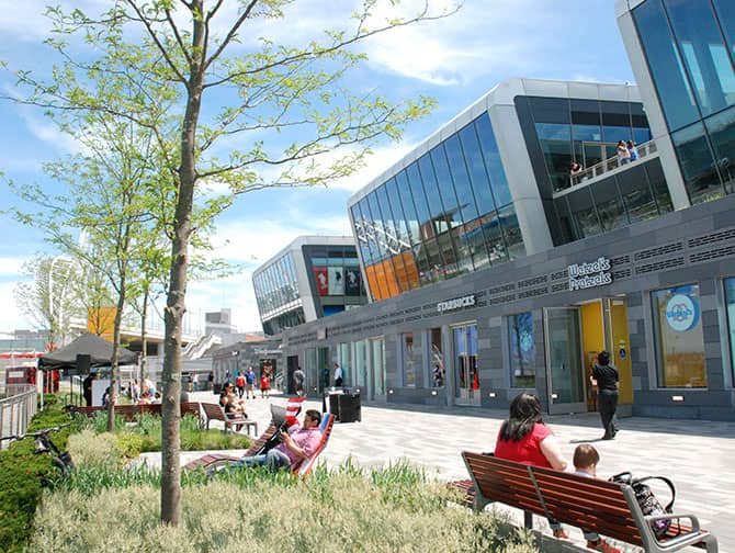 Empire Outlets New York City - Rives