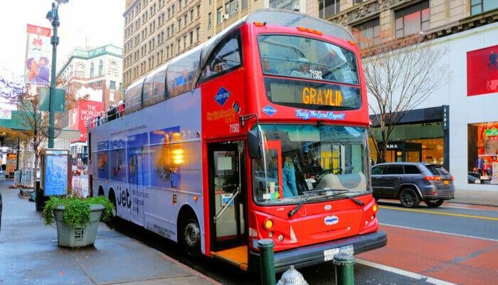 Bus touristique Gray Line à New York -Monter dans le bus