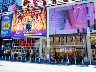 Theater District à New York - Forever21