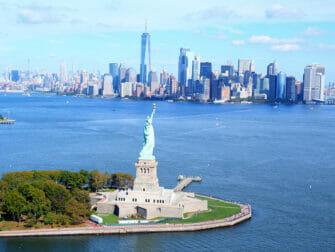 Vol en hélicoptère à habitacle ouvert à New York - Statue de la Liberté