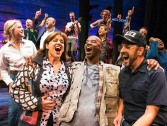 Billets pour From Away à Broadway - Troupe