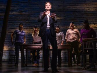Billets pour From Away à Broadway - Equipage