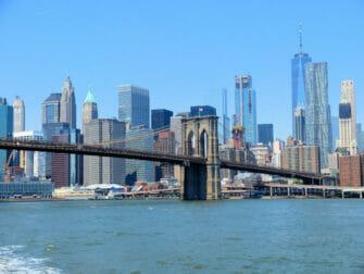 NYC Ferry à New York - Brooklyn Bridge