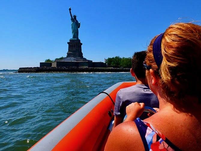 High Speed Boat Tour à New York