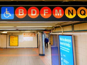 Facilités pour personnes handicapées à New York - métro
