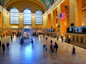 Metro North Railroad a New York Grand Central a New York