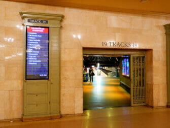 Metro North Railroad a New York Metro North a Grand Central