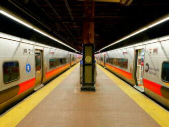 Metro North Railroad a New York Quai
