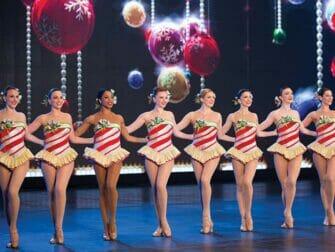 Radio City Music Hall a New York Radio City Christmas Spectacular