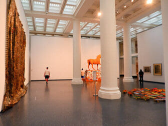 Brooklyn Museum a New York Interieur du musee