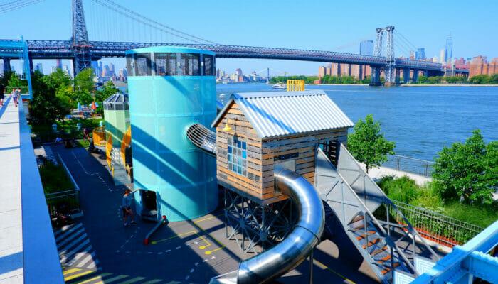 Terrains de jeux a New York Domino Park
